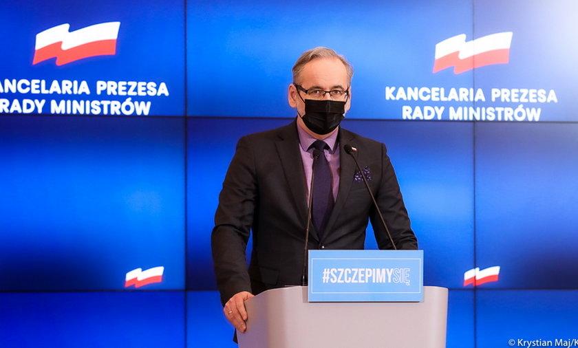 Koronawirus w Polsce - minister Niedzielski w środę 21.04 ogłosił, jakie są obostrzenia od 26.04.
