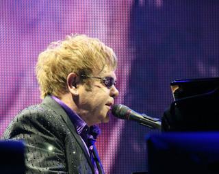Nowa płyta Eltona Johna: Życie, radość, muzyka