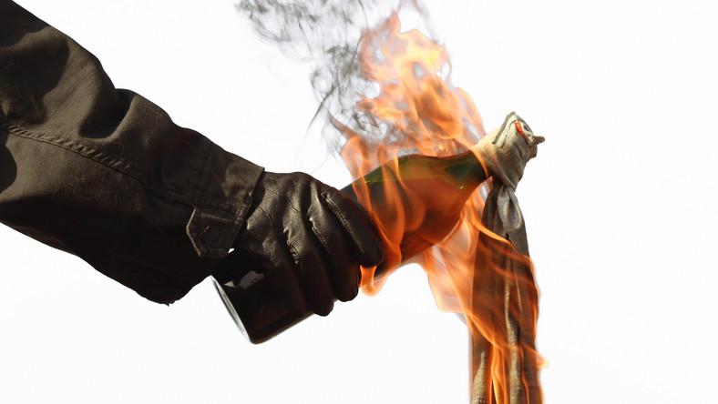 Koktajl Mołotowa - zdjęcie ilustracyjne