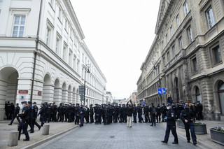 Protesty przedsiębiorców, demonstracja pod Trójką. Czy policja przekracza swoje uprawnienia?