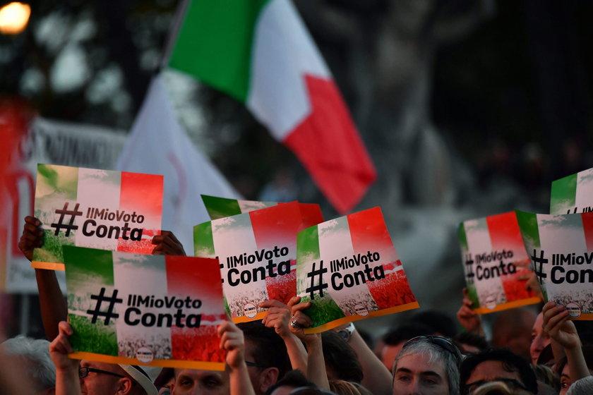 Wielotysięczny wiec w Rzymie.