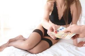 """""""SKUPI RESTORANI, AUTO, ODEĆA...A SAMO TREBA DA USLUŽUJEŠ STAROG, BOGATOG JARCA"""" Kako izgleda elitna prostitucija u Hrvatskoj"""