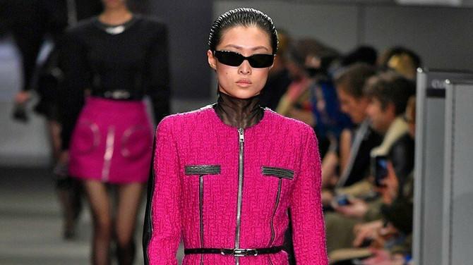 Dosad ste ovaj modni dodatak nosili samo po kupatilu, ali došlo je vreme da izađe na ulice