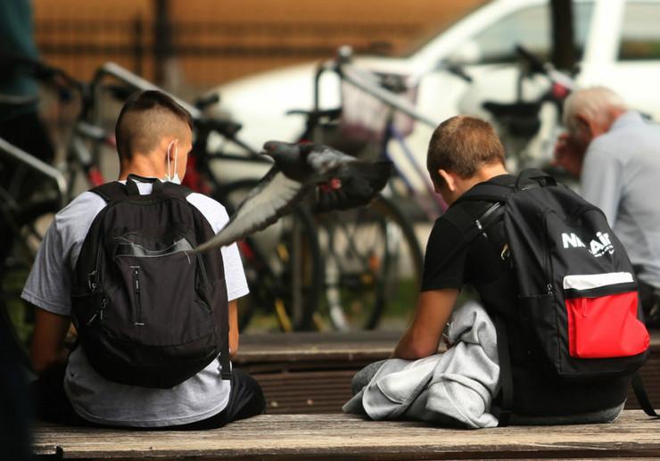 učenici - škola - đaci foto-S-PASALIC