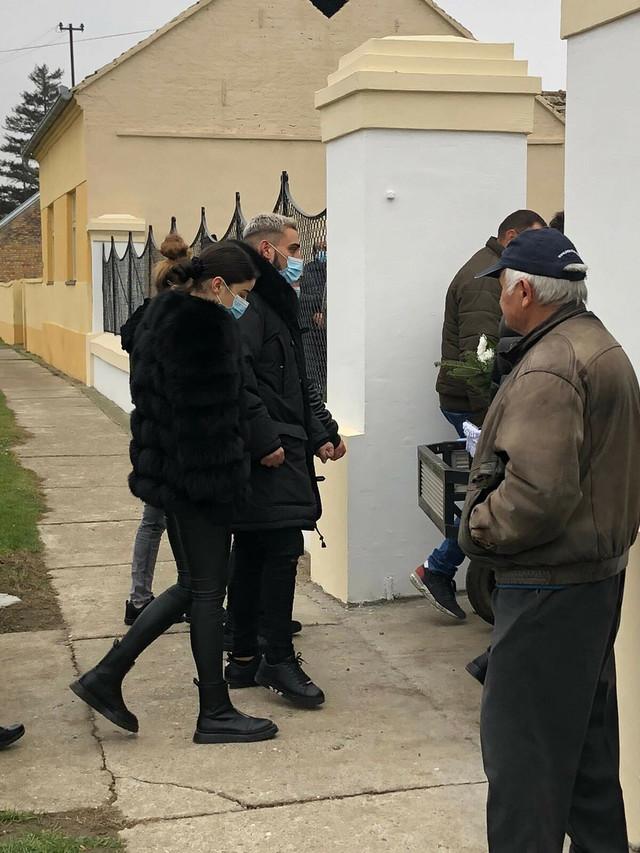 Marina Gagić i Darko Lazić, sahrana Darkovog oca