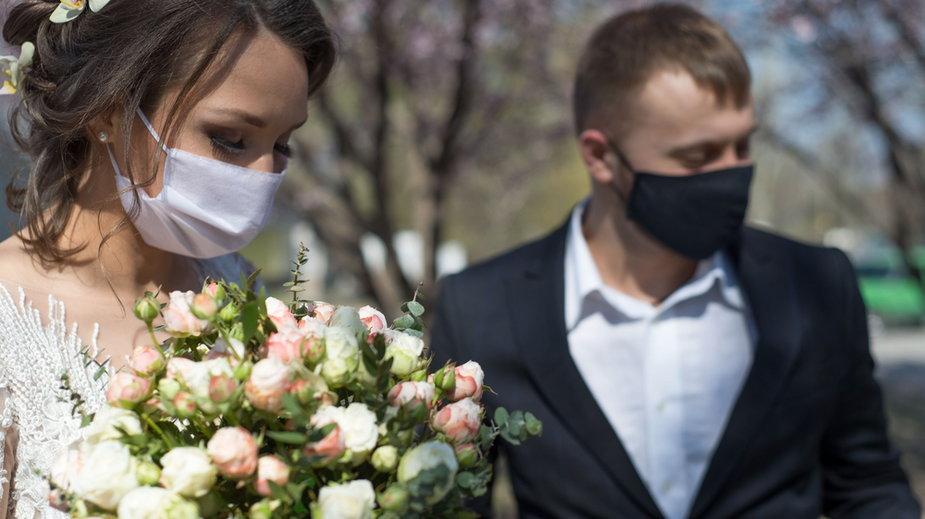 Jak reagować, kiedy goście odmawiają przyjścia na wesele z obawy przed COVID-19?