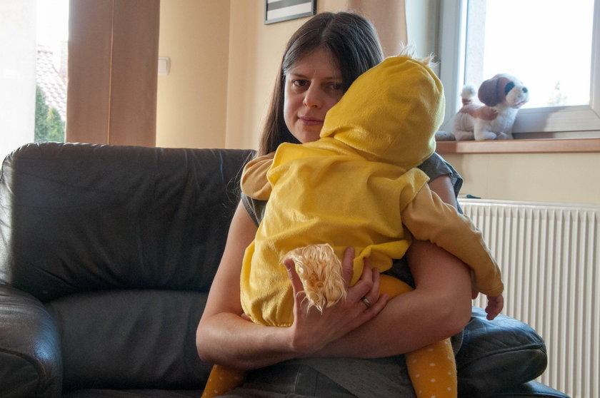 Horror w żłobku. Opiekunka cisnęła dzieckiem o podłogę