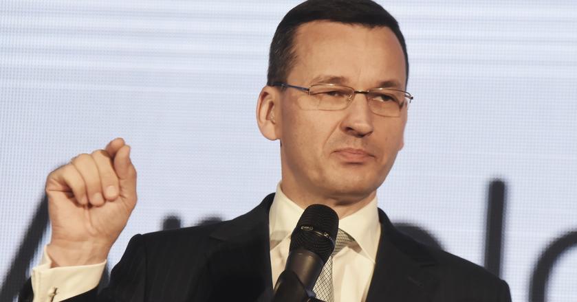 Morawiecki sugeruje działanie akcjonariuszom największego banku w Polsce