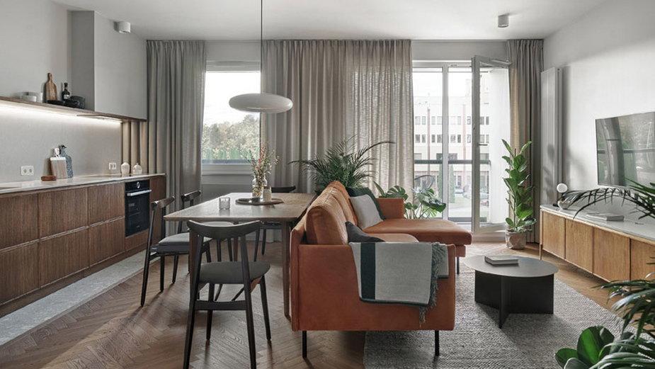 Mieszkanie inspirowane designem lat 50. i stylem mid-century