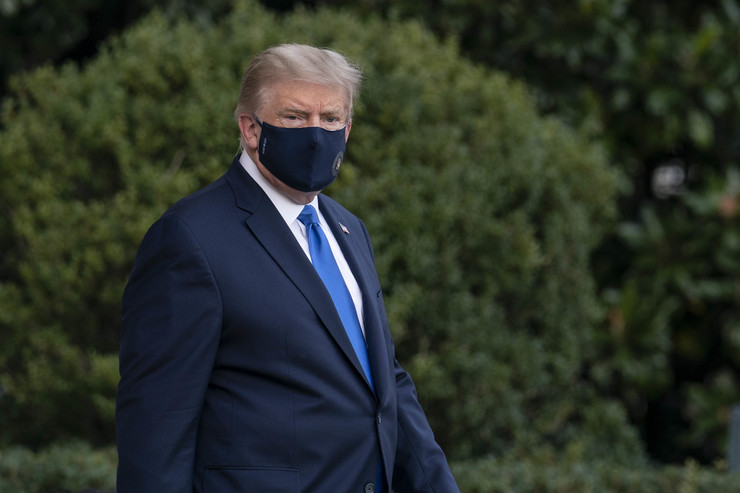 Donald Tramp pred odlazak u bolnicu