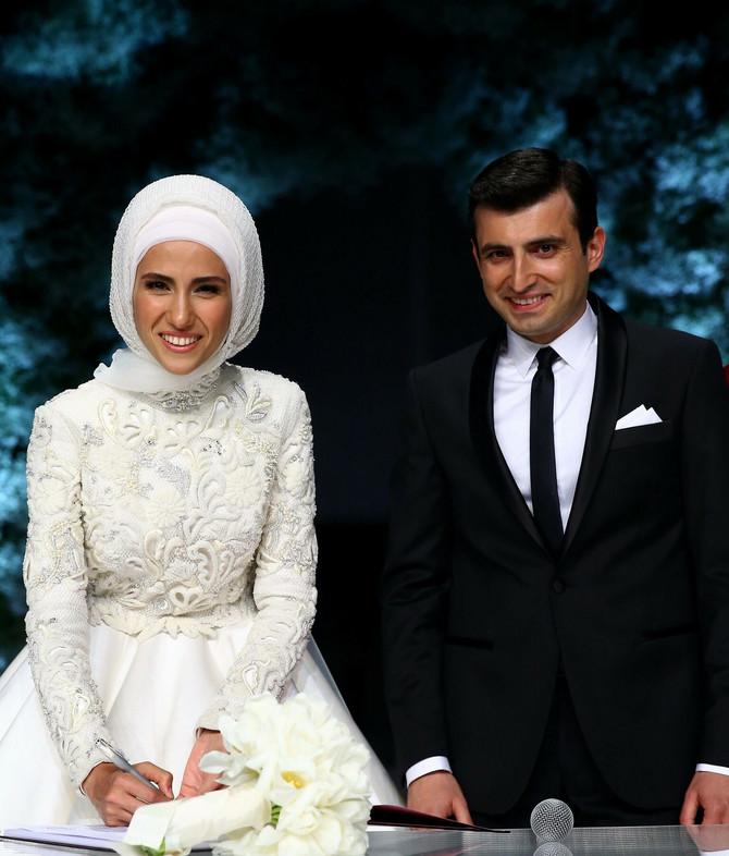Sumeja sa suprugom na venčanju
