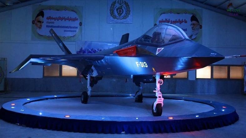 Irańskie media nie podały dokładnych informacji na temat stopnia zaawansowania prac nad myśliwcem, ani żadnych charakterystyk technicznych. Wiadomo, że maszyna jest w całości budowana w kraju i została przystosowana do wykorzystywania irańskiego lotniczego uzbrojenia