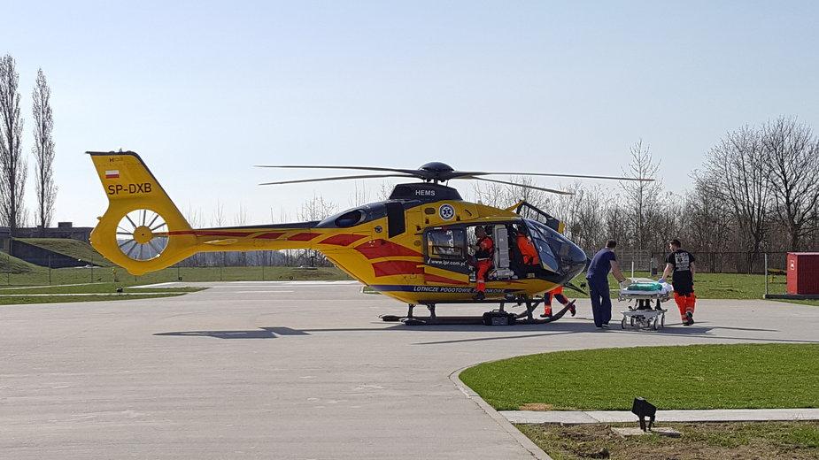 Śmigłowiec ratunkowy w bazie LPR w Gorzowie