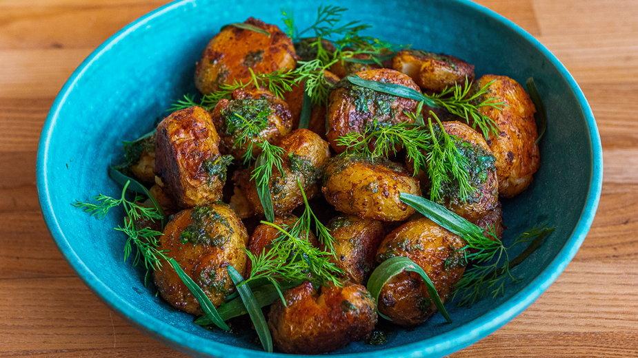 Chrupiące młode ziemniaki z pieca