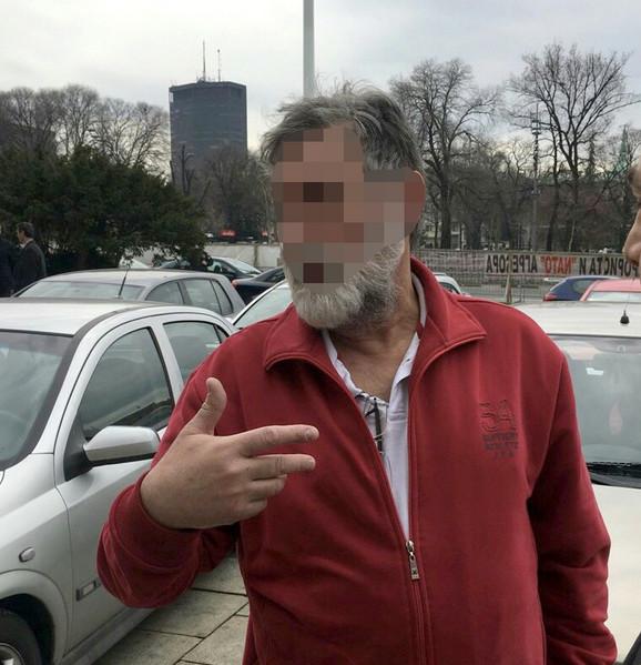 Muškarac koji je pretio da će baciti bombu