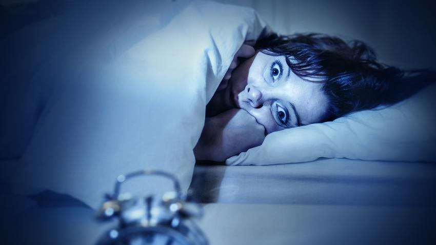 éjszaka leszokni a rossz alvásról)