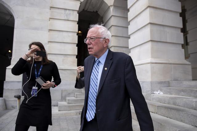 Sanders pred velikom odlukom