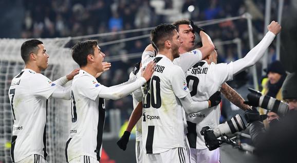 Da li će Alegri ostati na klupi Juventusa?