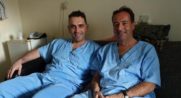 dr Srđan Vlajović i prof. dr Šarl Kort koji je obavio operacije