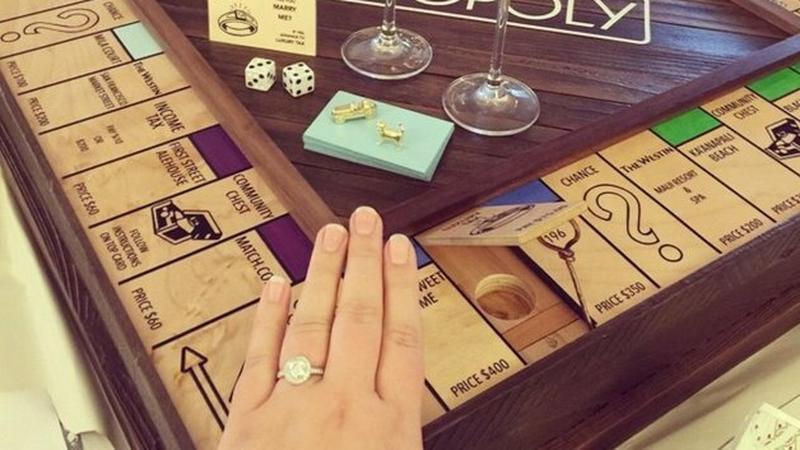 Justin Lebon - zaręczyny z własnoręcznie wykonanym Monopoly