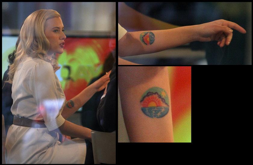 Scarlett Johanson tatuaż