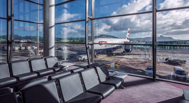 Mauritius airport boarding lounge (mauritius-airport.atol.aero)