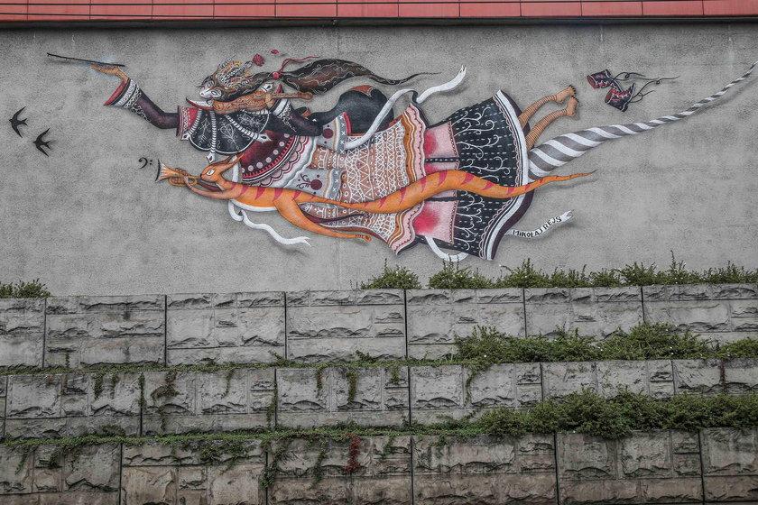Kolejny mural na Rondzie Mogilskim