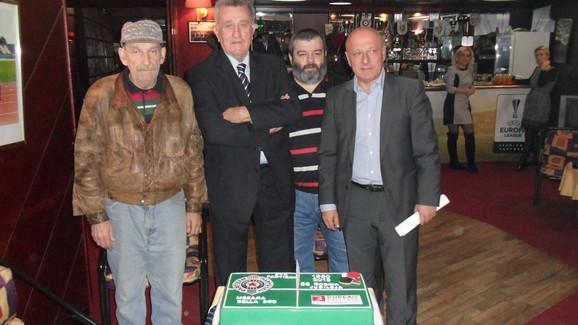 Zoran Sarić (član skupštine), Branislav Tapušković (predsednik), Dragan Ivanović (donator) i Goran Pejić (predsednik UO)