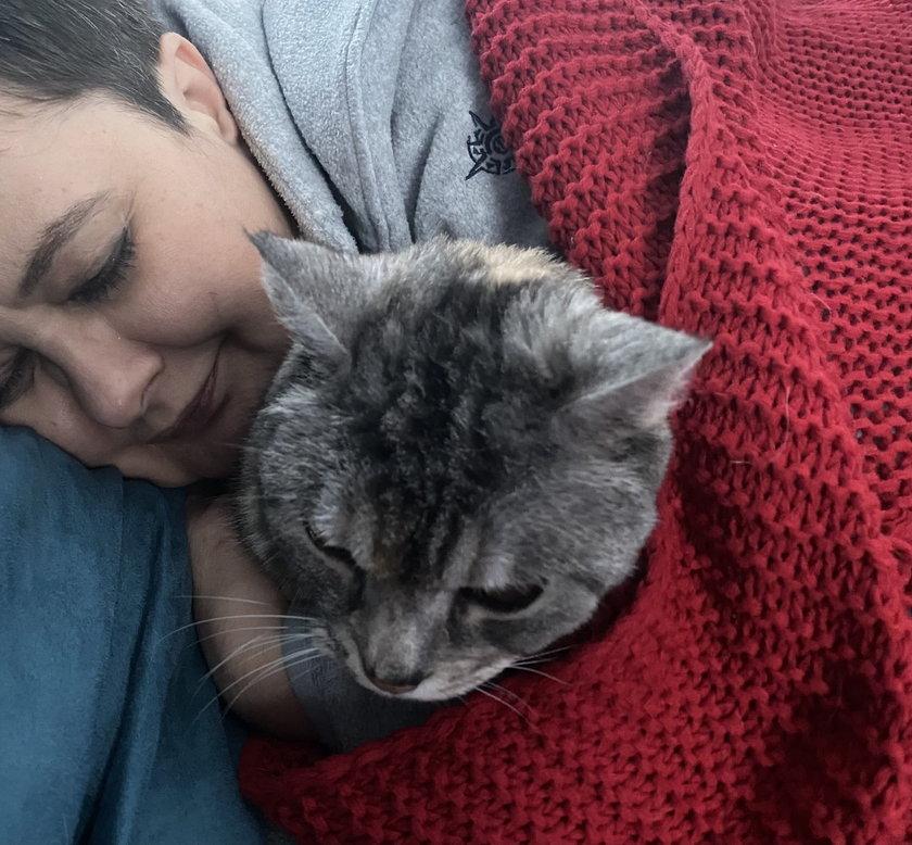 Katarzyna Lubnauer ze swoją kotką