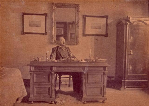 Đorđe Vajfert u svojoj kancelariji u pivari u Beogradu