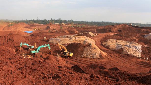 Odkrywkowa kopalnia niklu w Azji