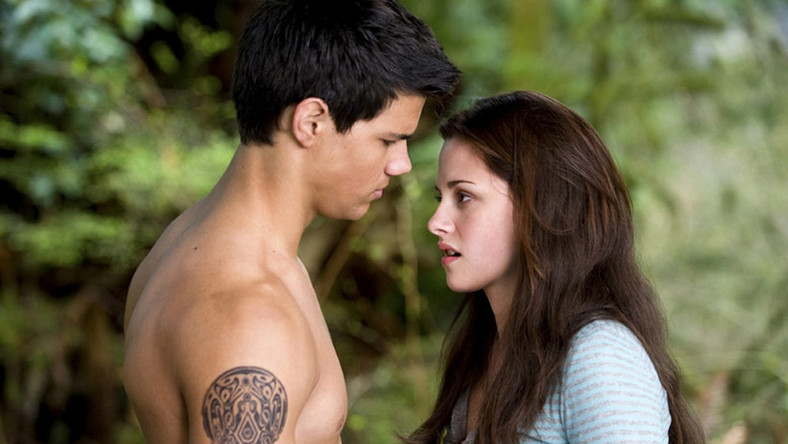 """Księżyc w nowiu"": Taylor Lutner i Kristen Stewart"