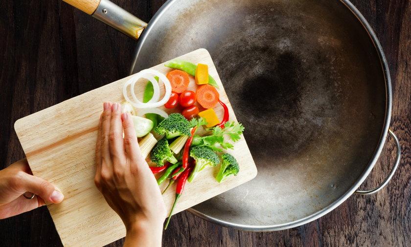 Dlaczego warto mieć woka w kuchni?