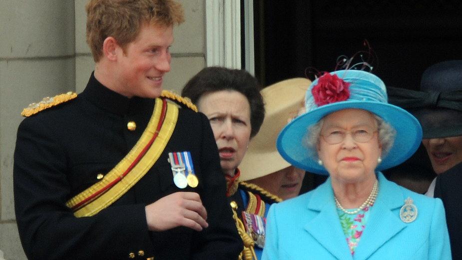 Harry, Anna, królowa Elżbieta II