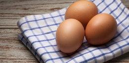 Nigdy nie podgrzewaj gotowanych jaj w mikrofalówce. To bardzo groźne