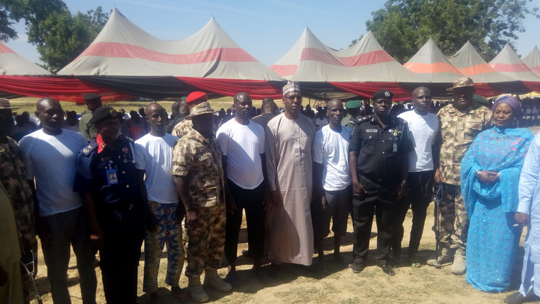 Gov. Babagana Zulum of Borno and heads of security agencies during the formal handing over of 983 detainees cleared of links with Boko Haram. [NAN]