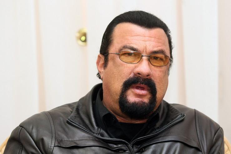 Stiven Sigal Aleksandar Vučić pasoš