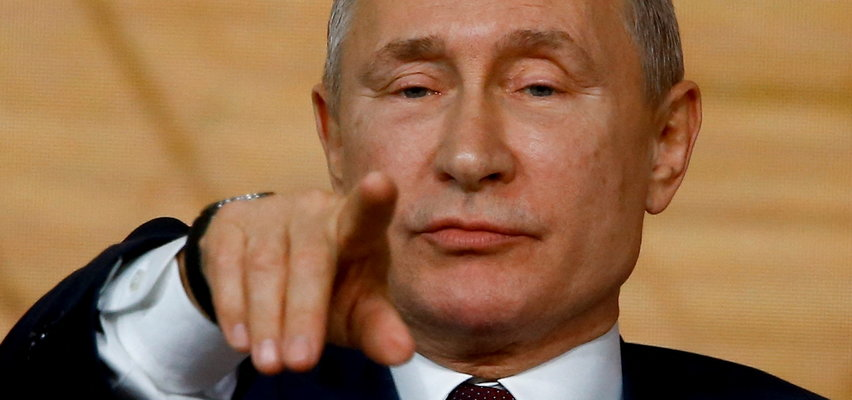 Samolot LOT-u zatrzymany na lotnisku w Petersburgu. Eksperci: Putin prowokuje Polskę!