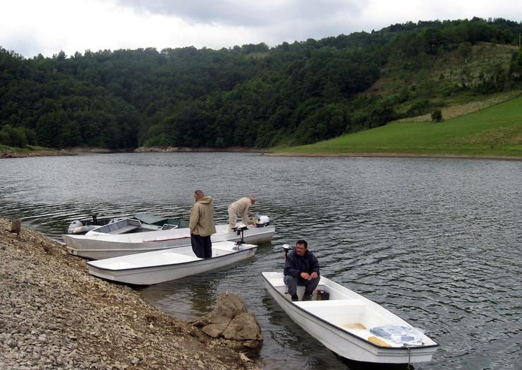 607631_uzice01-jezero-vruci-voda-foto-v-lojanica