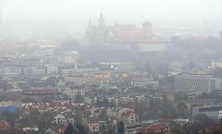 Toksyczny smog nad miastem