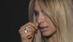 SVADBA NA POMOLU? Pevačica pokazala verenički prsten, ali dečka krije