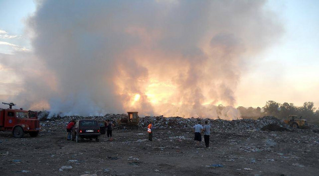 Miris paljevine osetili i Ćupričani: Požar na deponiji Biljanka