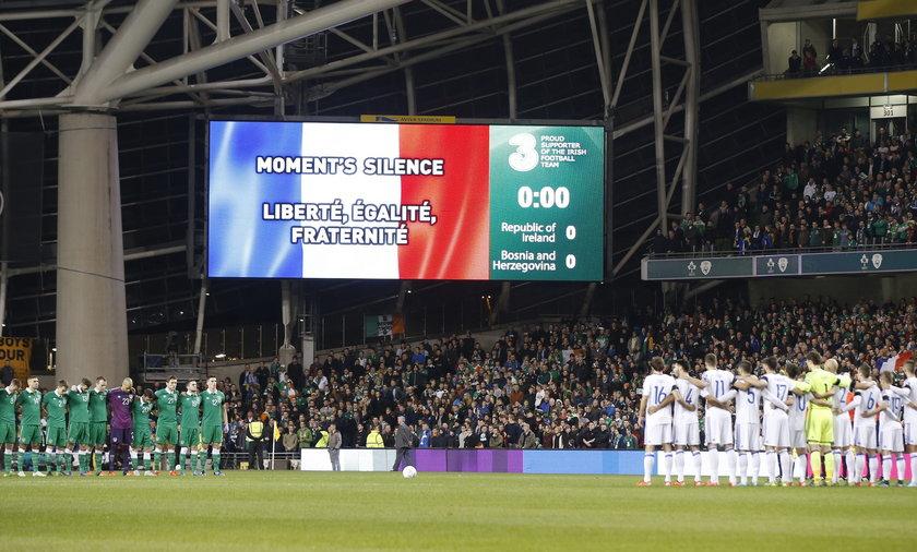 Jak mogli? Fani Bośni nie uszanowali minuty ciszy za zmarłych w Paryżu!