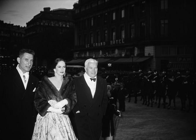 Una O'Nil  1955. u Parizu