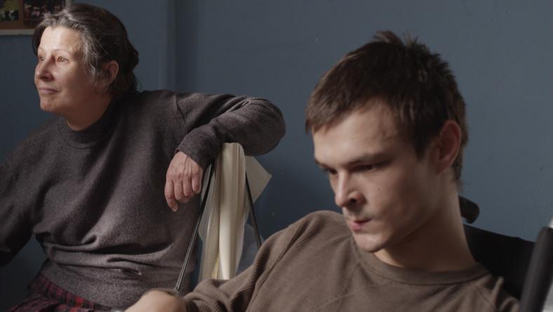 """Dawid Ogrodnik w filmie """"Chce się żyć"""" gra chłopaka z porażeniem mózgowym i robi to tak dobrze, że część publiczności na festiwalu w Gdyni, nieznająca jeszcze młodego polskiego aktora (większą rolę zagrał dotąd tylko w """"Jesteś Bogiem"""") pytała po pokazie, czy Mateusza gra niepełnosprawny czy zdrowy aktor"""