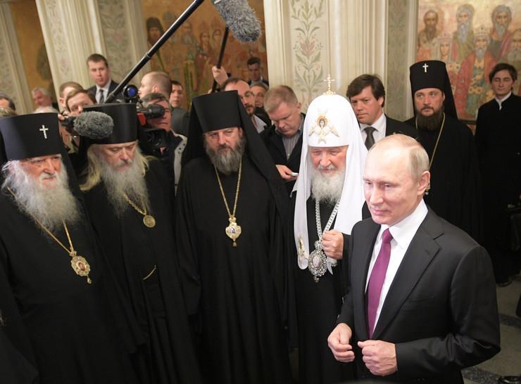 Putin visits Sretensky Monastery in Moscow