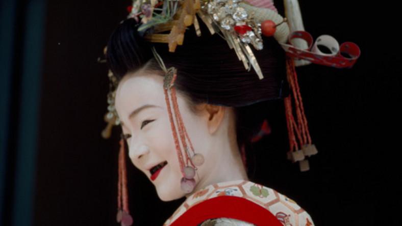 japońskie lesbijki fryzjerskie dojrzałe siadanie na twarzy porno