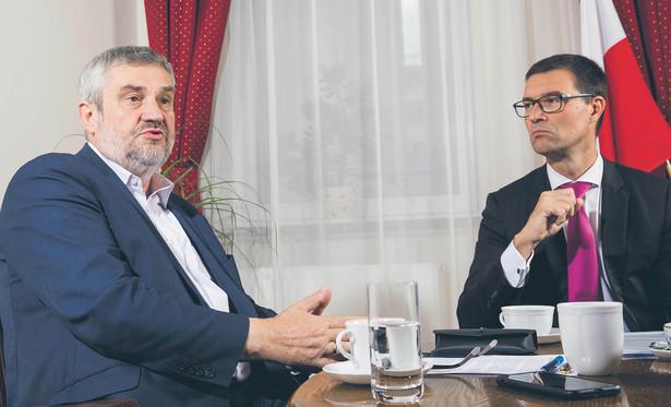 Christoph Rabatel, dyrektor generalny Carrefour Polska rozmawia z Janem Ardanowskim, ministrem rolnictwa