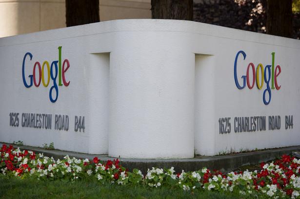 Automatyczny samochód firmy Google może niedługo uzyskać w USA taki sam status jak człowiek kierujący autem.