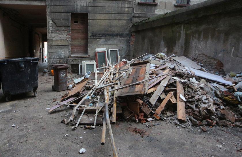 Koszmar mieszkańców kamienicy przy Kilińskiego. Właściciel odciął im gaz